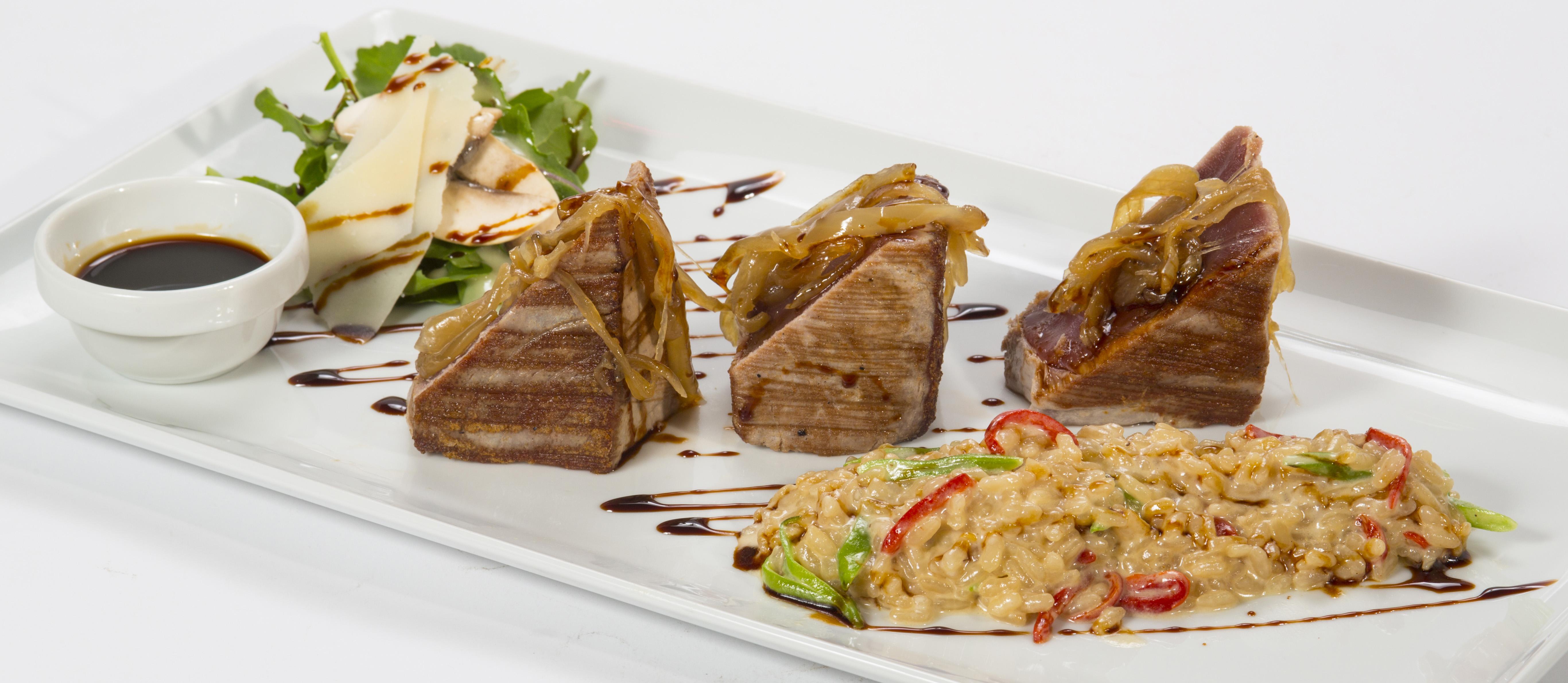 Más de 31 años de historia en Restaurante Los Bandidos, en Puerto Banús